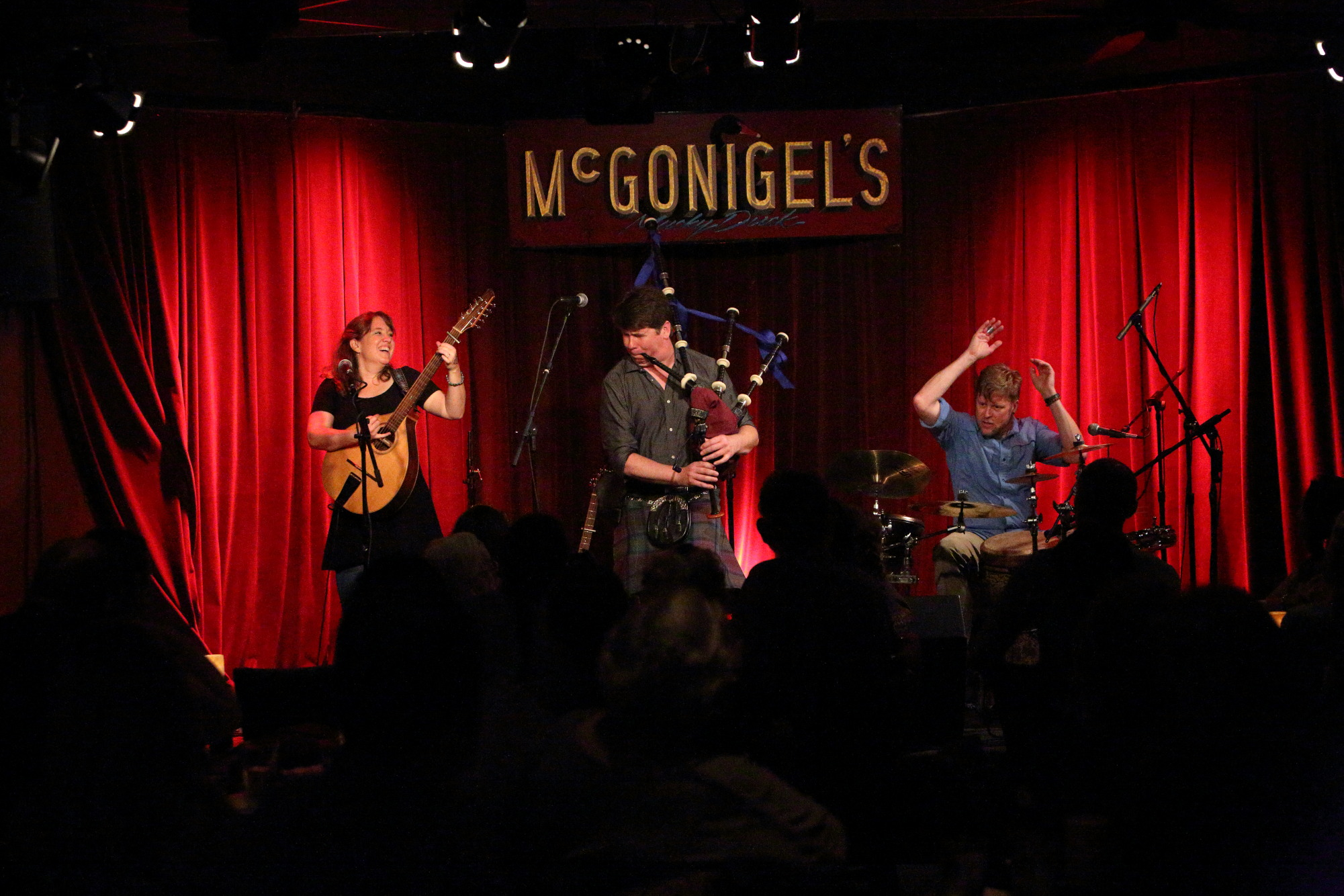 Piper Jones Band at McGonigel\'s Mucky Duck